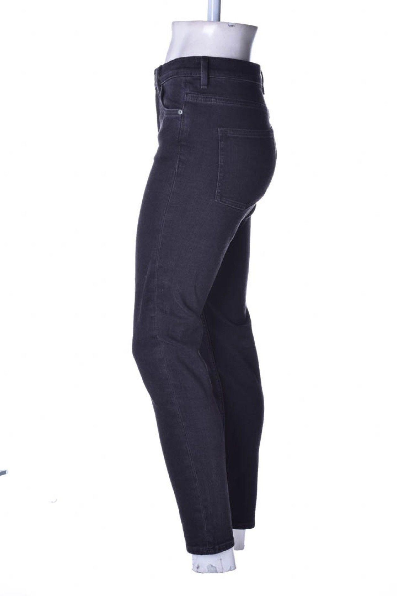 Cos - Calça Jeans Preta  - Foto 2