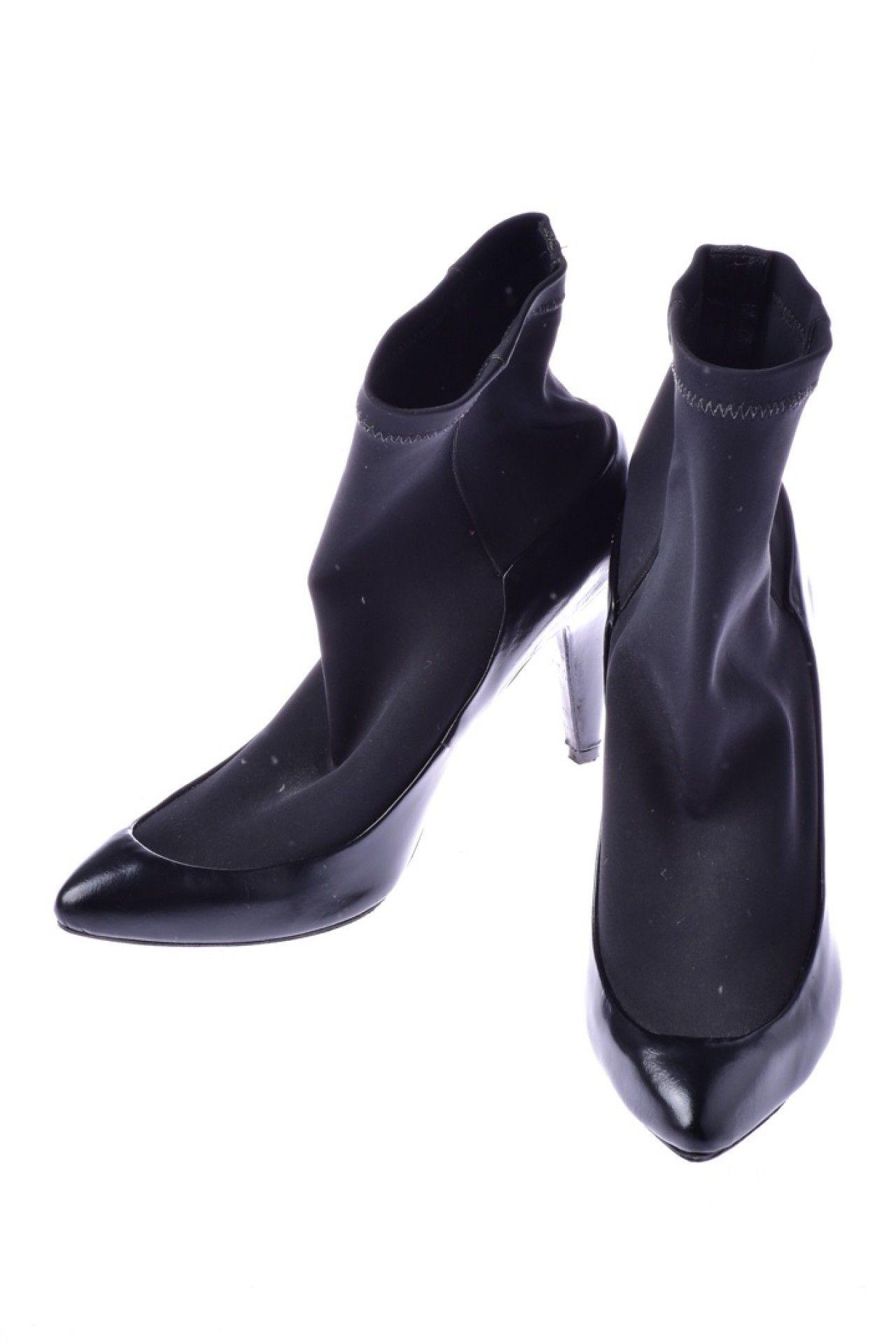 Tufi Duek - Sapato Preto Tecido  - Foto 2